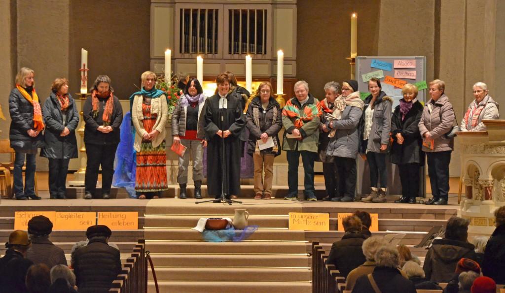 Weltgebetstag der Frauen in der Abdinghofkirche. FOTO: ECKHARD DÜKER