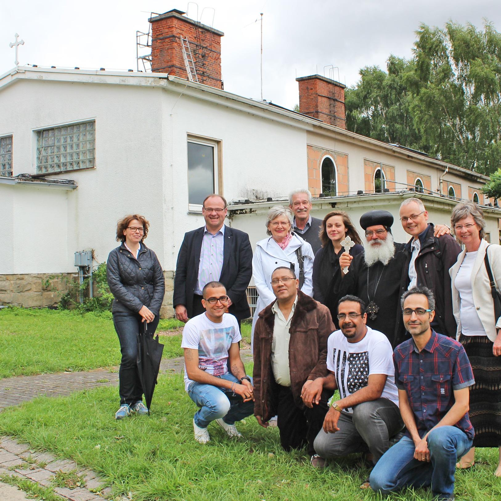Ökumenische Delegation besucht Flüchtlingseinrichtung des Landes: Bischof Anba Damian wünscht Schwesterkirchen als Kooperationspartner