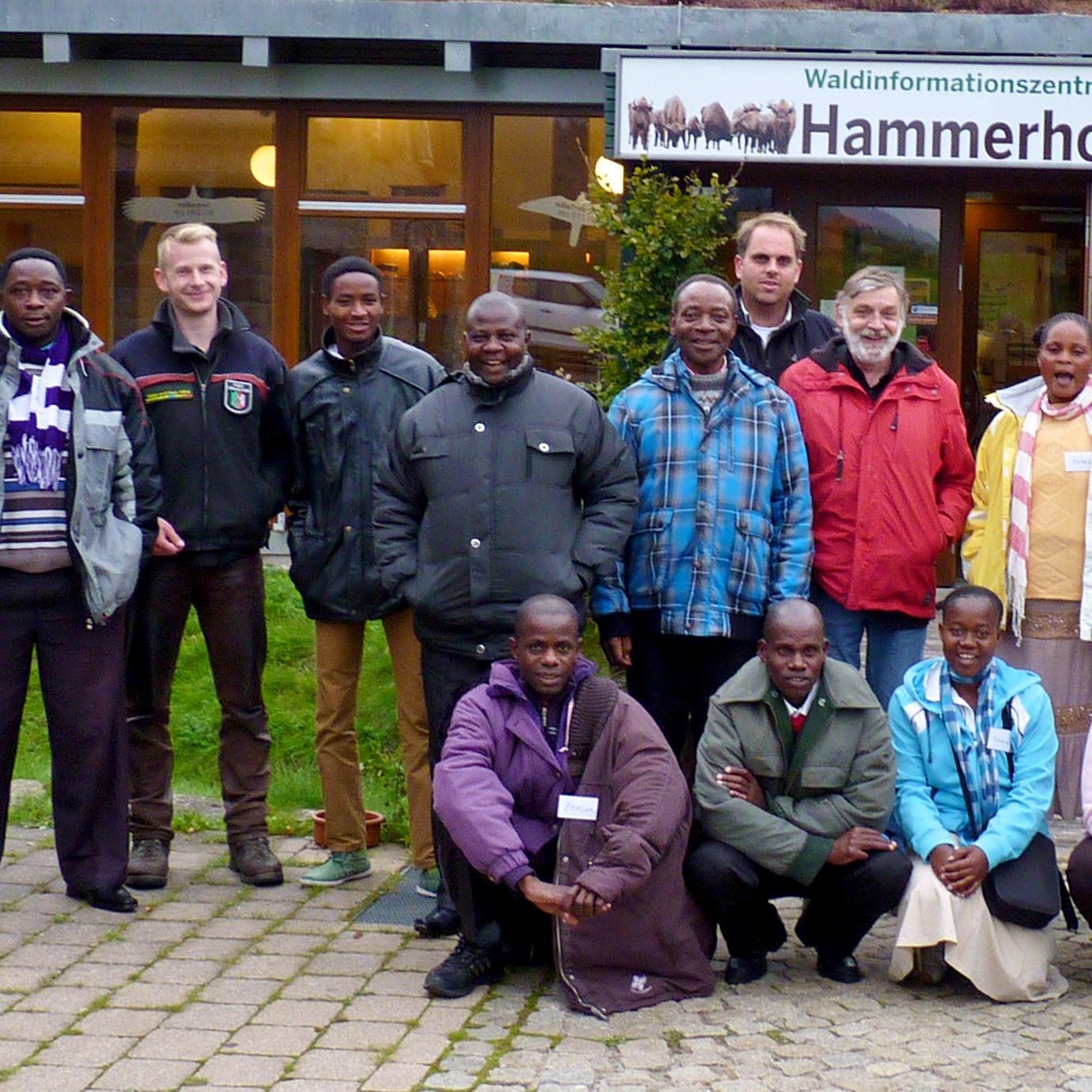 Partnerschaftsgruppe aus Tansania zu Besuch in Warburg
