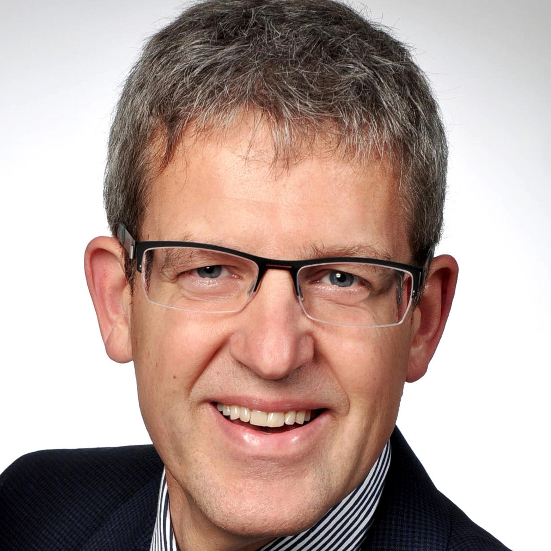 """Superintendent Volker Neuhoff beim Bündnis für Demokratie und Toleranz Paderborn am 14. Oktober """"Den sozialen Zusammenhalt stärken! Was ist zu tun?"""""""