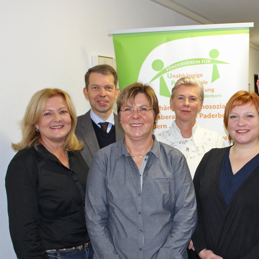 Paderborner Bürgerstiftung unterstützt Förderverein SPENDE 10.000 Euro für psychosoziale Krebsberatung