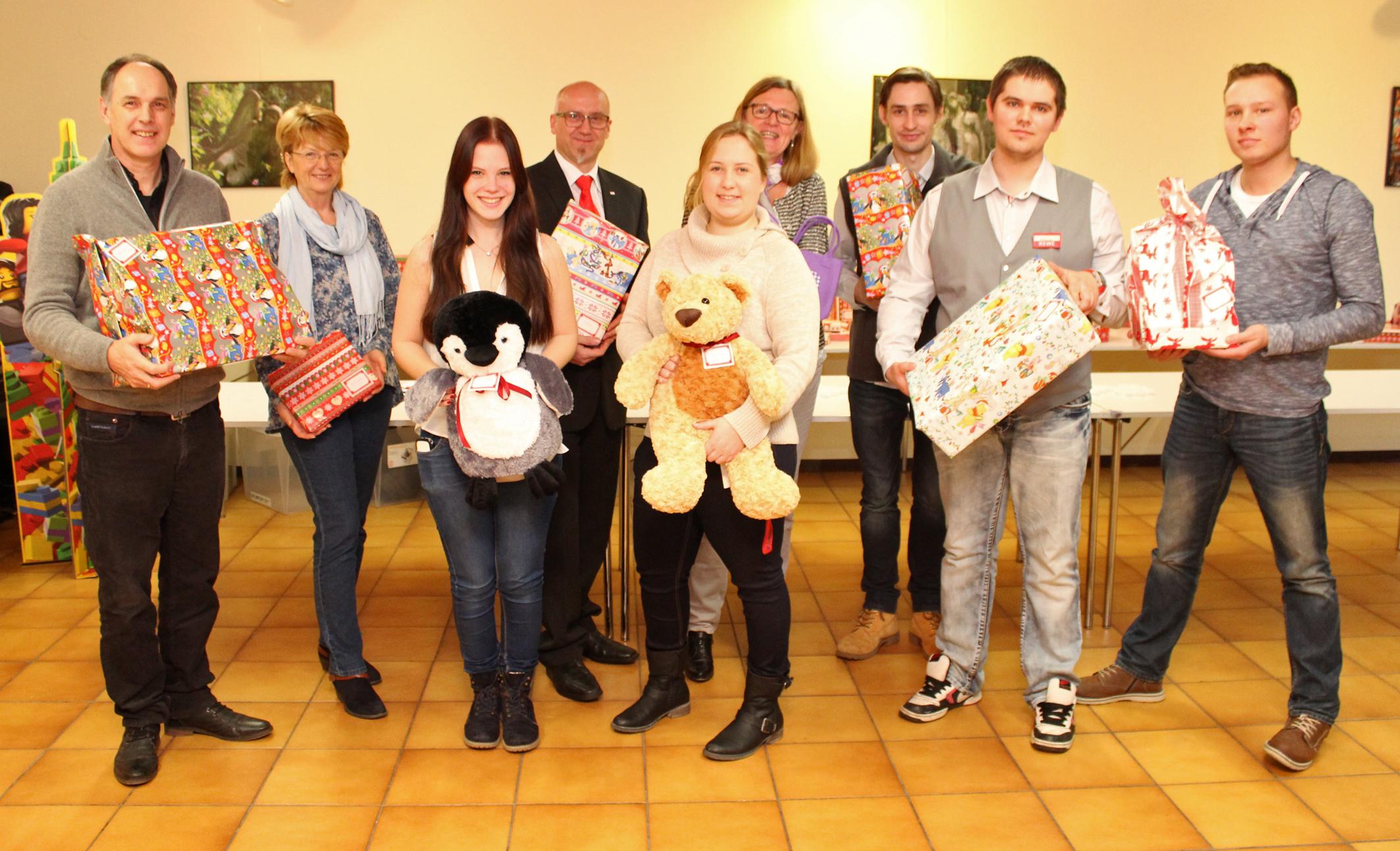 Weihnachtsgeschenke für bedürftige Kinder – Evangelischer ...