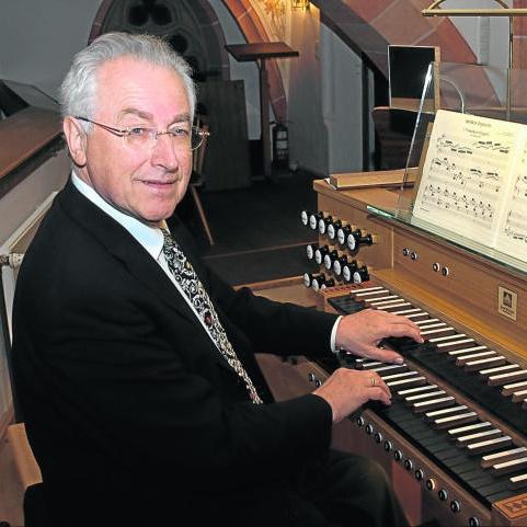 Orgelkonzert in der Abdinghofkirche Paderborn: Bach-Abend mit Gerhard Weinberger