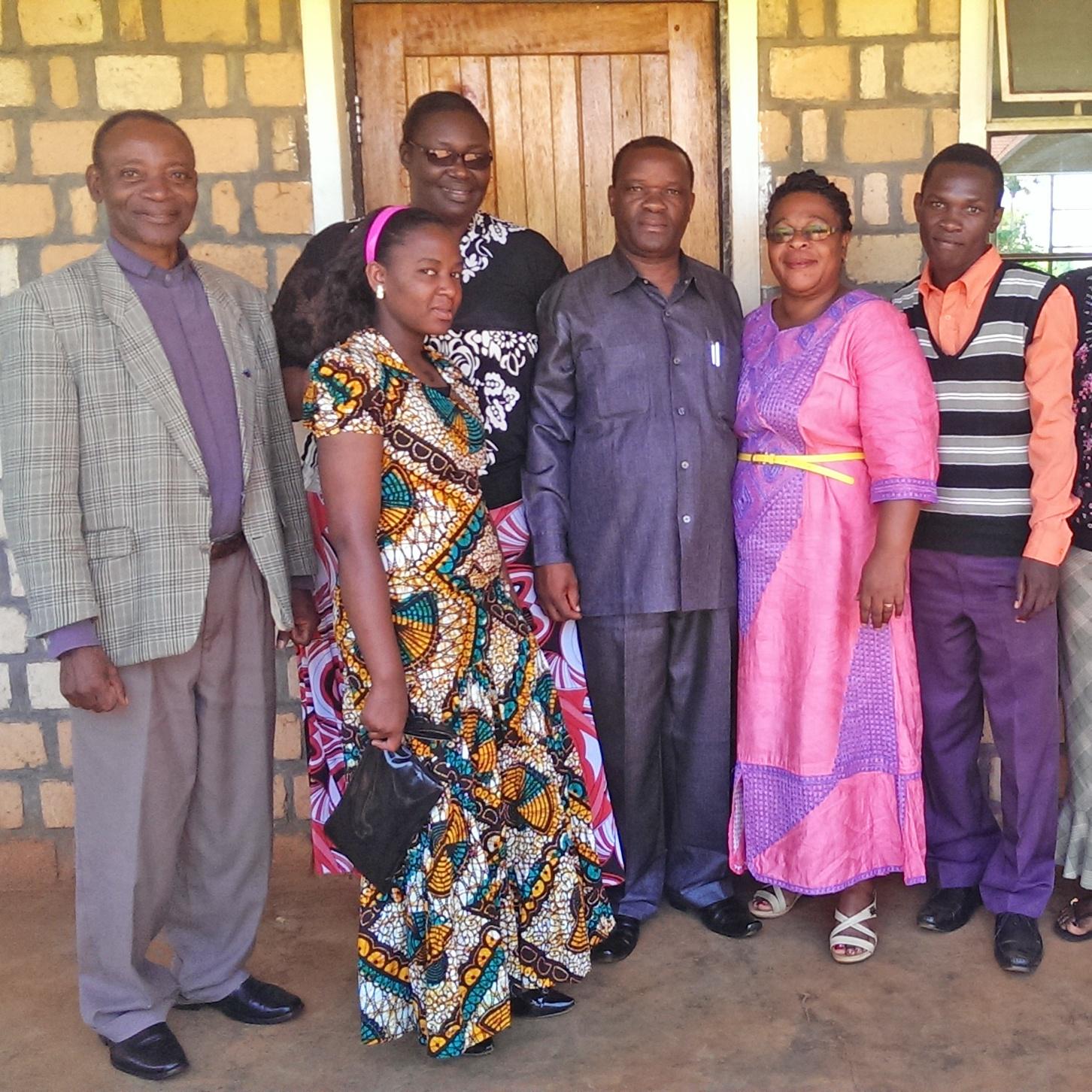 Ökumenische Lernreise im Evangelischen Kirchenkreis Paderborn AUSTAUSCH Partner aus Tansania lernen deutsches Bildungssystem kennen