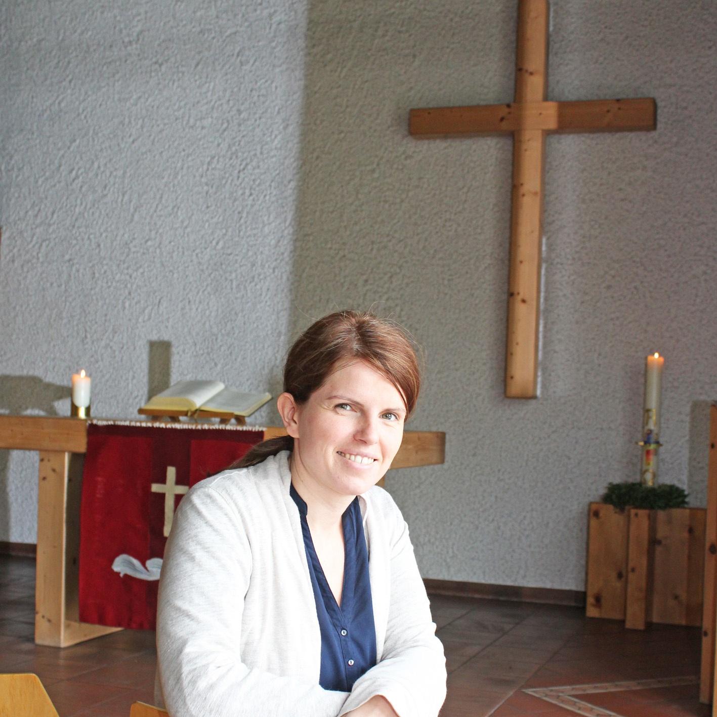 Pfarrerin im Pfarrbezirk Sennelager und Sande: Superintendent führt Pfarrerin Elisabeth Goller ein