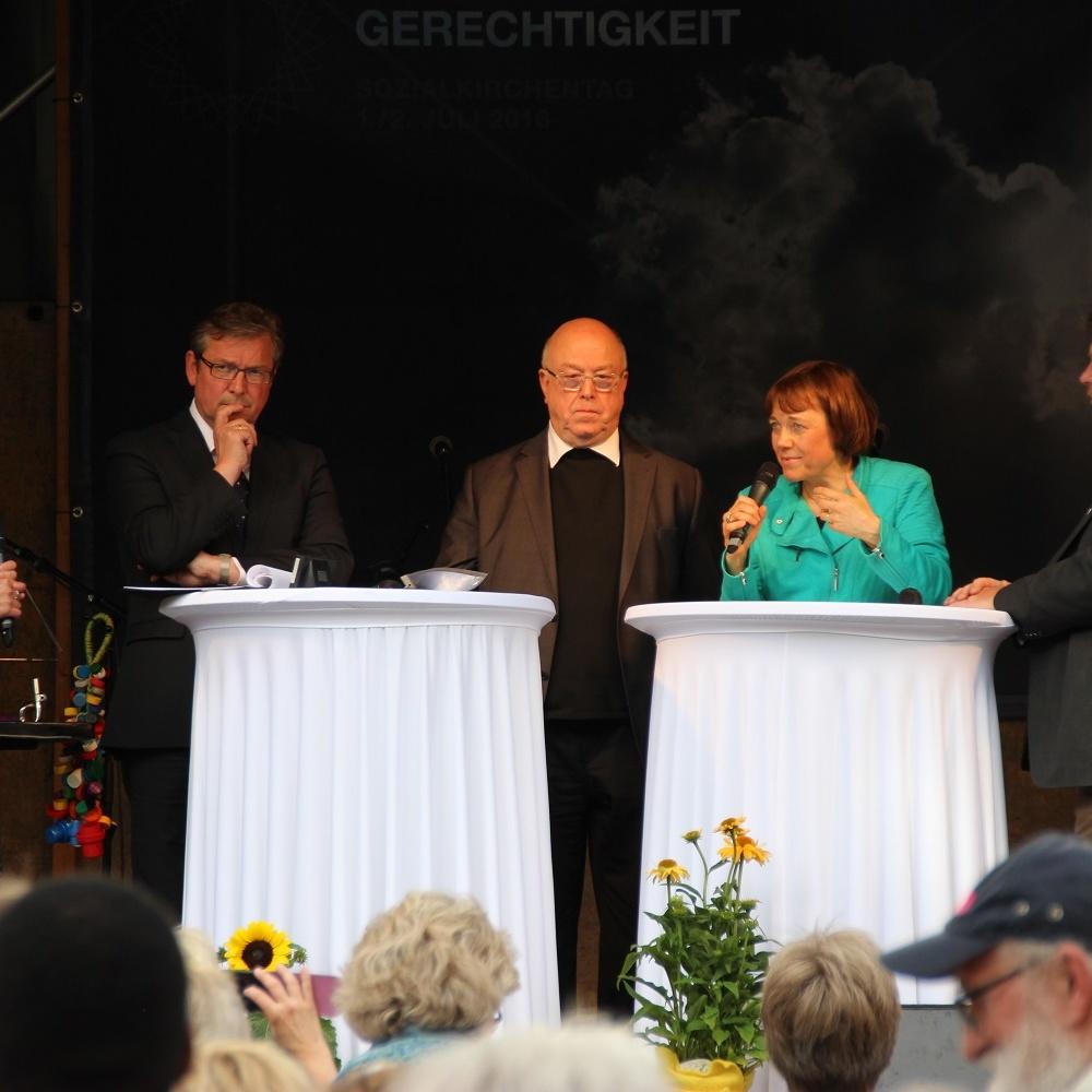 """Erster Ökumenischer Sozialkirchentag in Paderborn """"Sonne der Gerechtigkeit"""" soll für alle Menschen scheinen"""