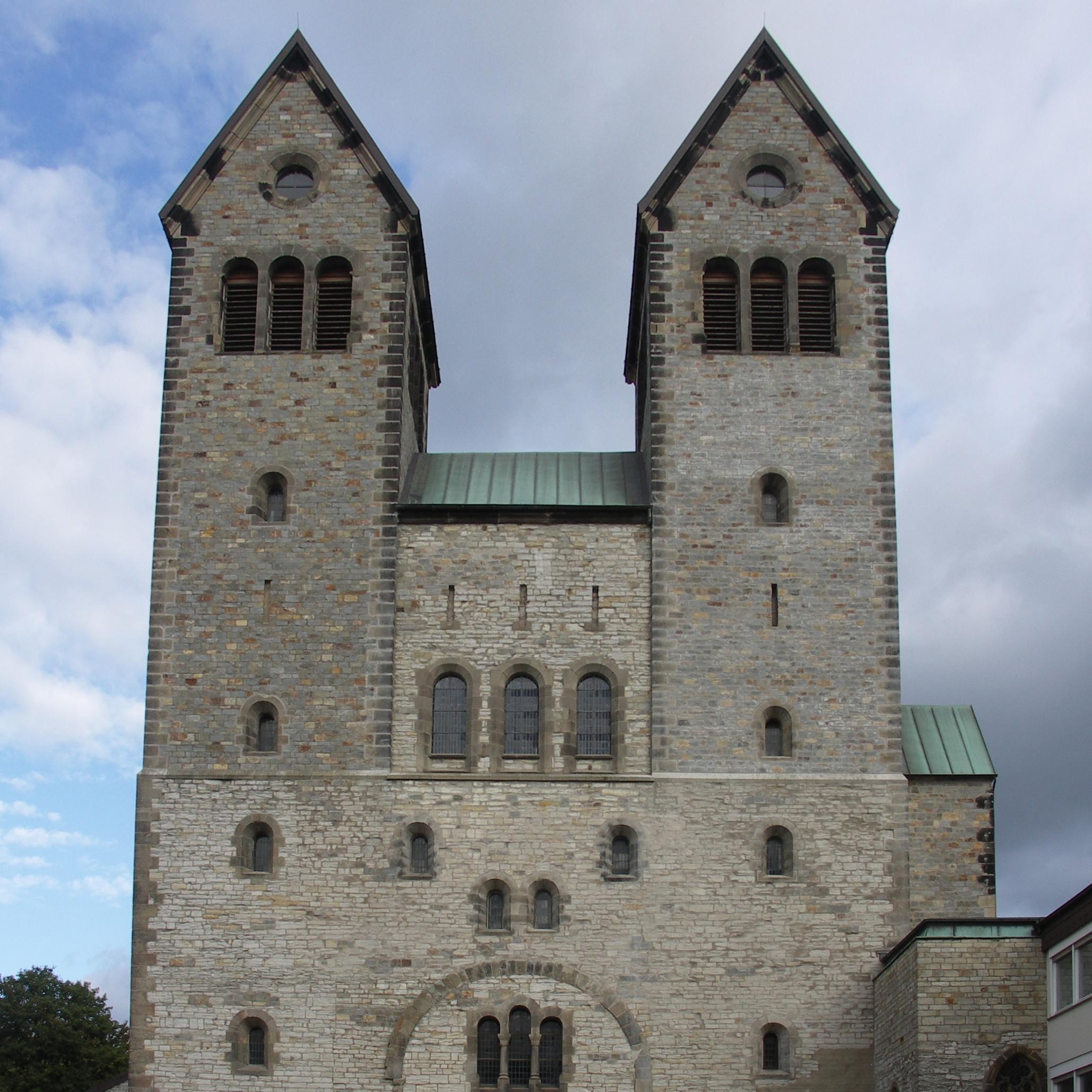 Von Schloß Neuhaus über die Innenstadt mit Abdinghofkirche bis zur Wewelsburg Buntes Programm bei der Paderborner Museumsnacht