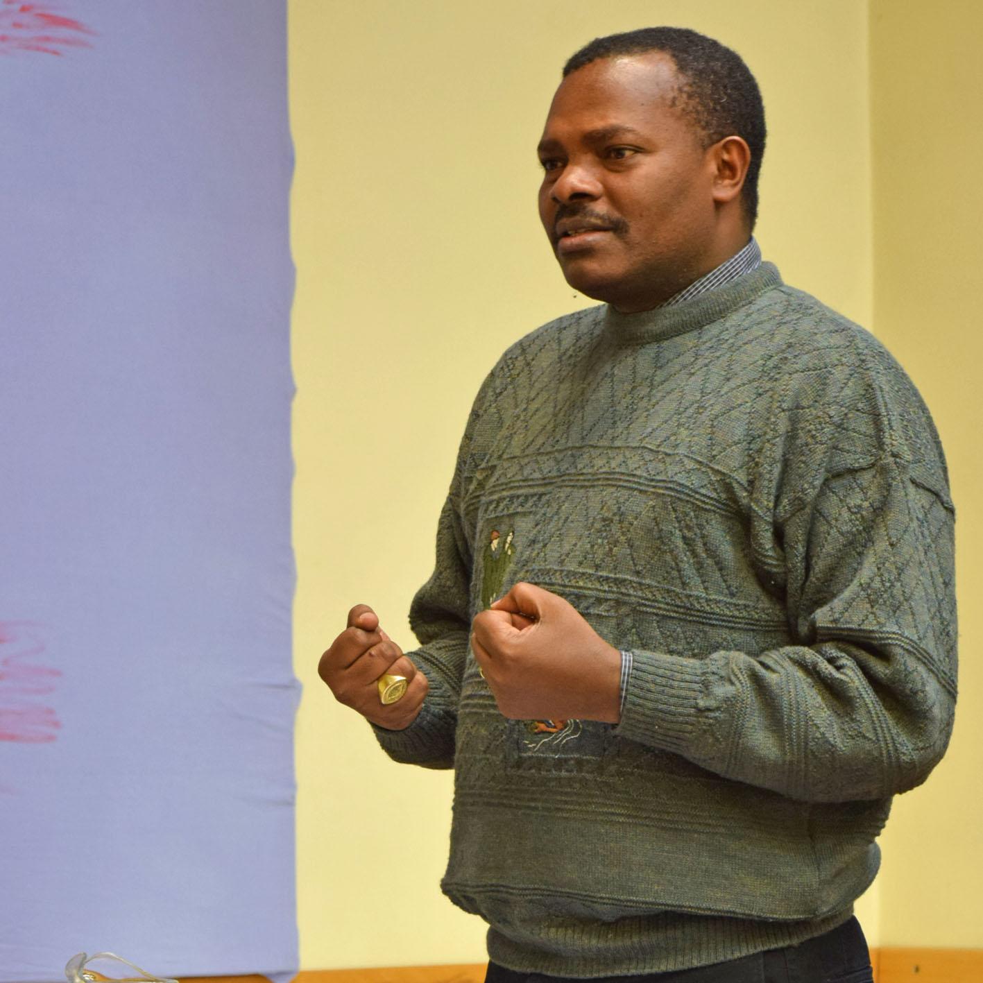 """BISCHOF aus afrikanischer Partnerkirche in Borchen """"Tansania befindet sich auf dem richtigen Weg"""""""