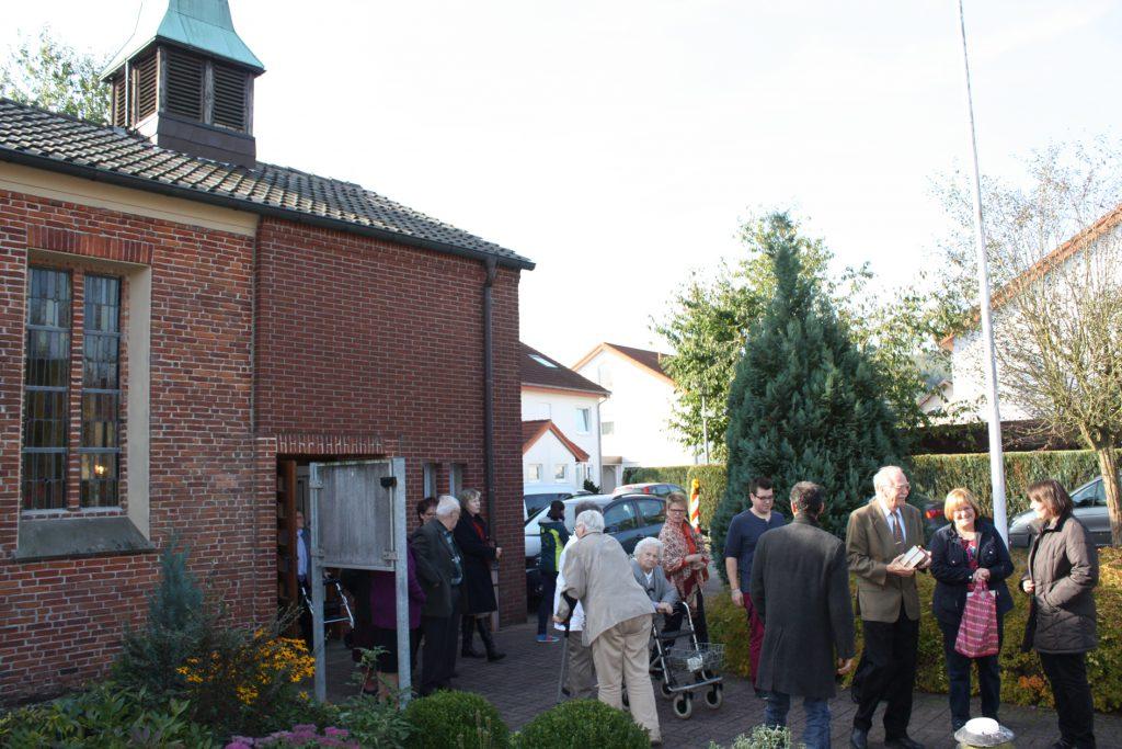 Kirche von außen: Eine Visitation des Kirchenkreises Paderborn im Jahr 2013 führte auch zur Evangelischen Kirche in Willebadessen. Das Gemeindezentrum, nicht im Bild, steht links daneben. FOTOS: EKP-ARCHIV