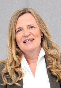 Bittet um Tornister und Rücksäcke für Schüler: Diakonie-Mitarbeiterin Susanne Bornefeld. Foto: Diakonie
