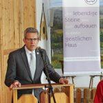 Nahm auch Bezug auf den Bericht der synodalen Dienste, Ausschüsse und Beauftragungen, Superintendent Volker Neuhoff. FOTO: EKP/OLIVER CLAES