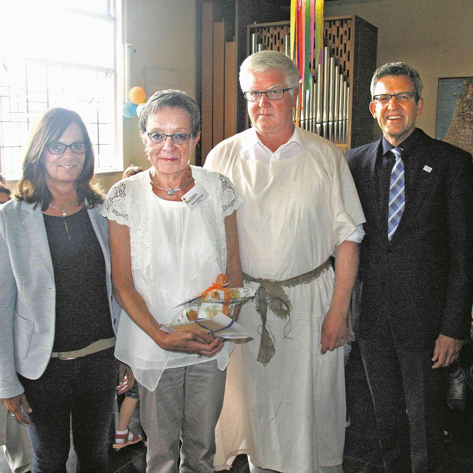 60 Jahre Kindertagesstätte Kunterbunt in Höxter Trommelwirbel zum Abschied von Gisela Meierhofer