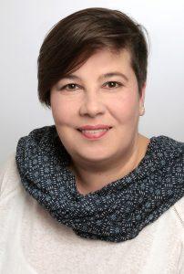 Iris Battenfeld ist gespannt auf ihre neuen Aufgaben als Pfarrerin der Evangelischen Kirchengemeine Bad Driburg. FOTO: PRIVAT