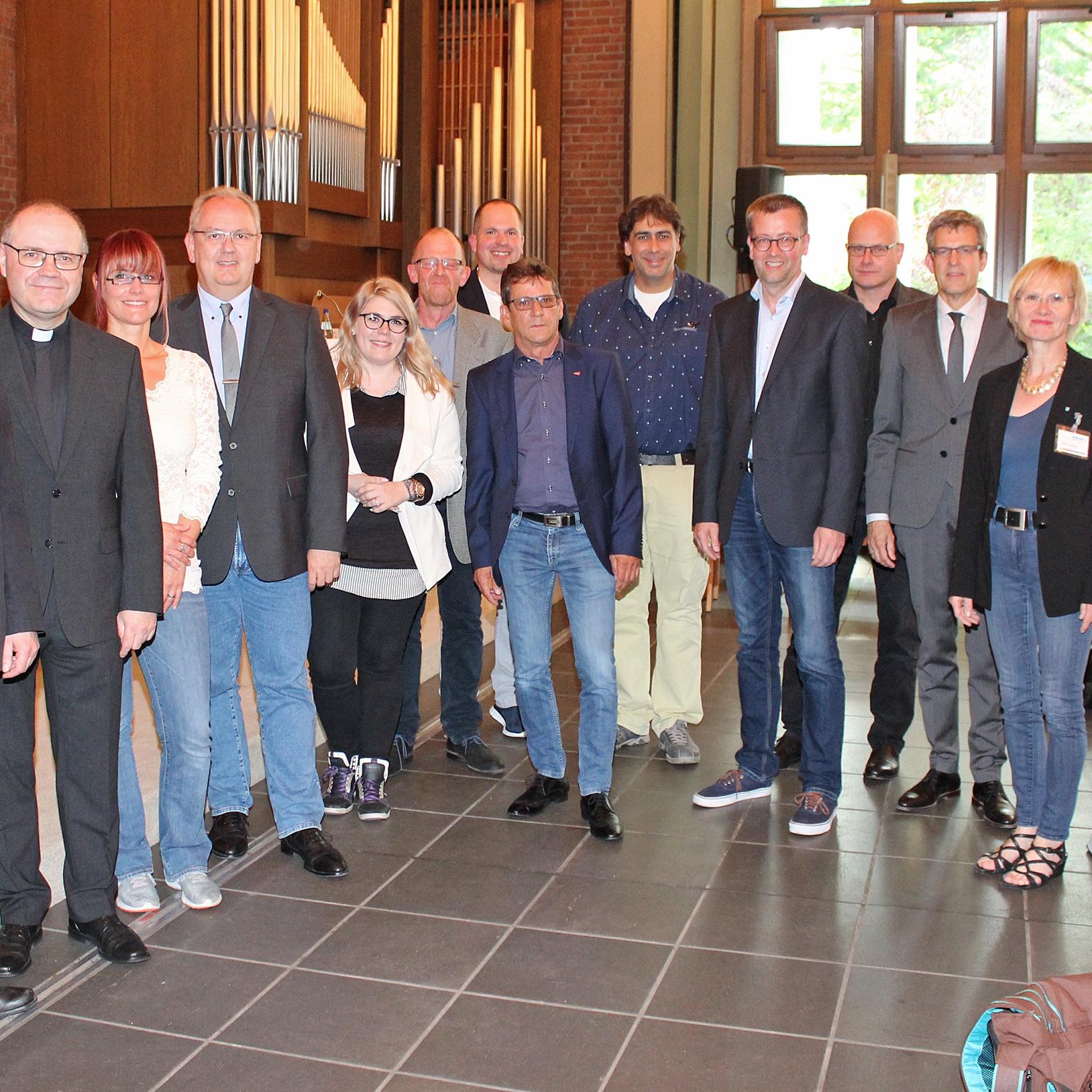Kirchen und Politik diskutierten über Flüchtlingspolitik Schutz der Menschen in den Mittelpunkt stellen