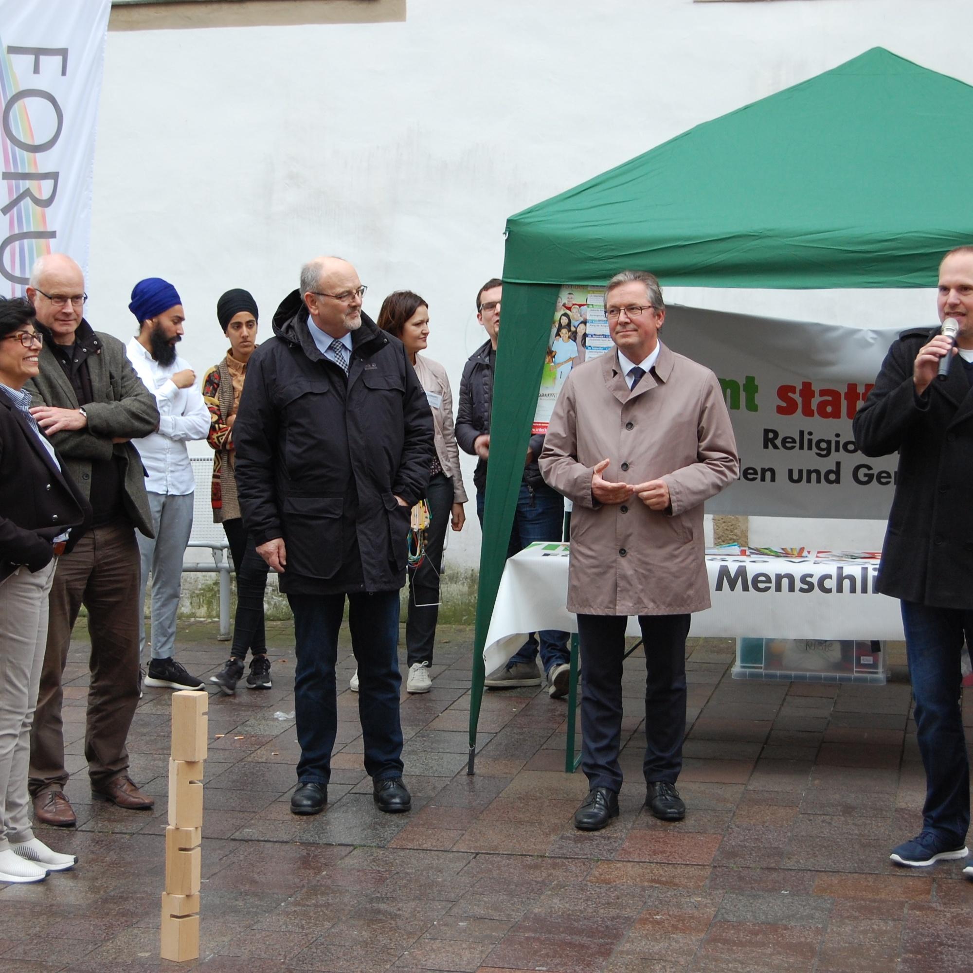 Forum der Religionen wirbt in der Paderborner Innenstadt für Zusammenhalt Zusammenspiel der Kulturen