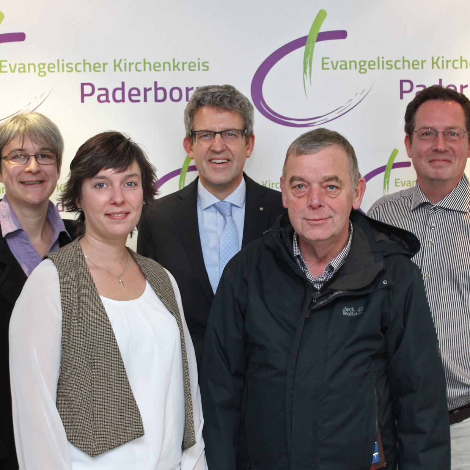 Bis Frühjahr in der Evangelischen Kirchengemeinde Altkreis Warburg Pfarrerin Daniela Walter unterstützt das Pfarrteam