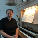 Thomas Schulze-Athens leitet das adventliche Reformationskonzert in der Elsener Erlöserkirche. Foto: Privat