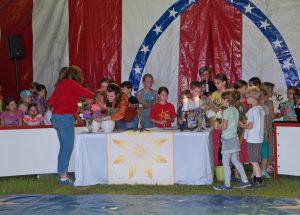Gottesdienst im Circuszelt am Himmelfahrtstag in Beverungen.