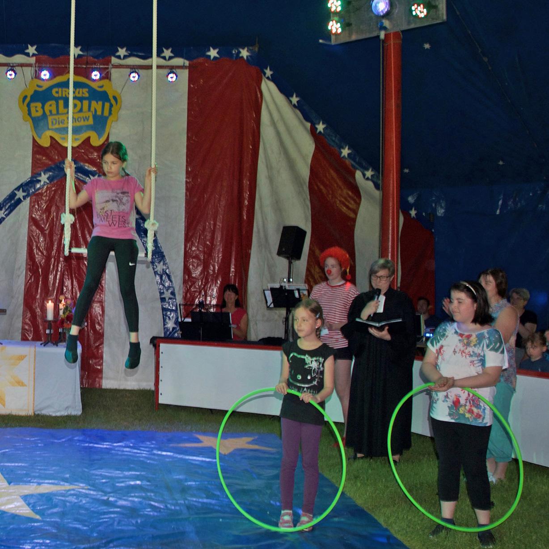 """""""Manege frei!"""" für 110 kleine Artisten Beeindruckende Circusshow in Beverungen"""