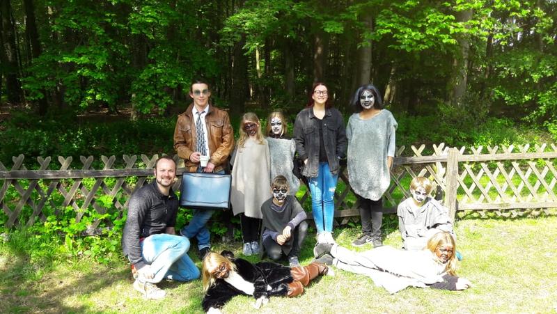 Hatten Spaß beim Filmen: Die Teilnehmer des diesjährigen Filmprojektes der Evangelischen Jugend in Hövelhof. Foto: Evangelische Jugend