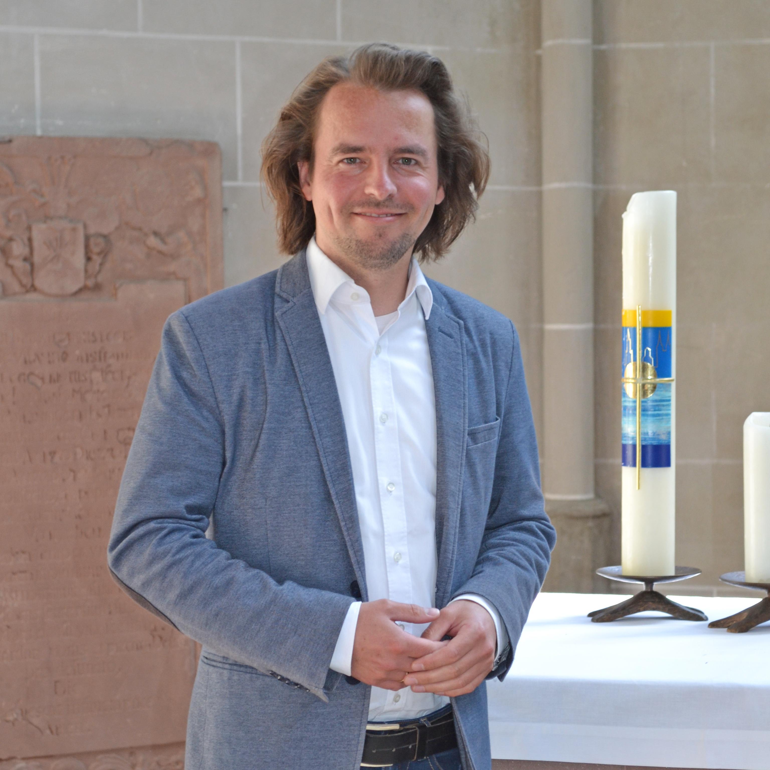 Pfarrstelle in Höxter wird wieder besetzt Pfarrer Dr. Björn Corzilius wechselt nach Bielefeld zur Landeskirche als Persönlicher Referent der Präses