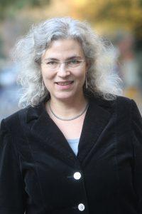 Prof. Elisa Klapheck, Professorin für jüdische Studien am Zentrum für Komparative Theologie und Kulturwissenschaften (ZEKK) an der Universität Paderborn