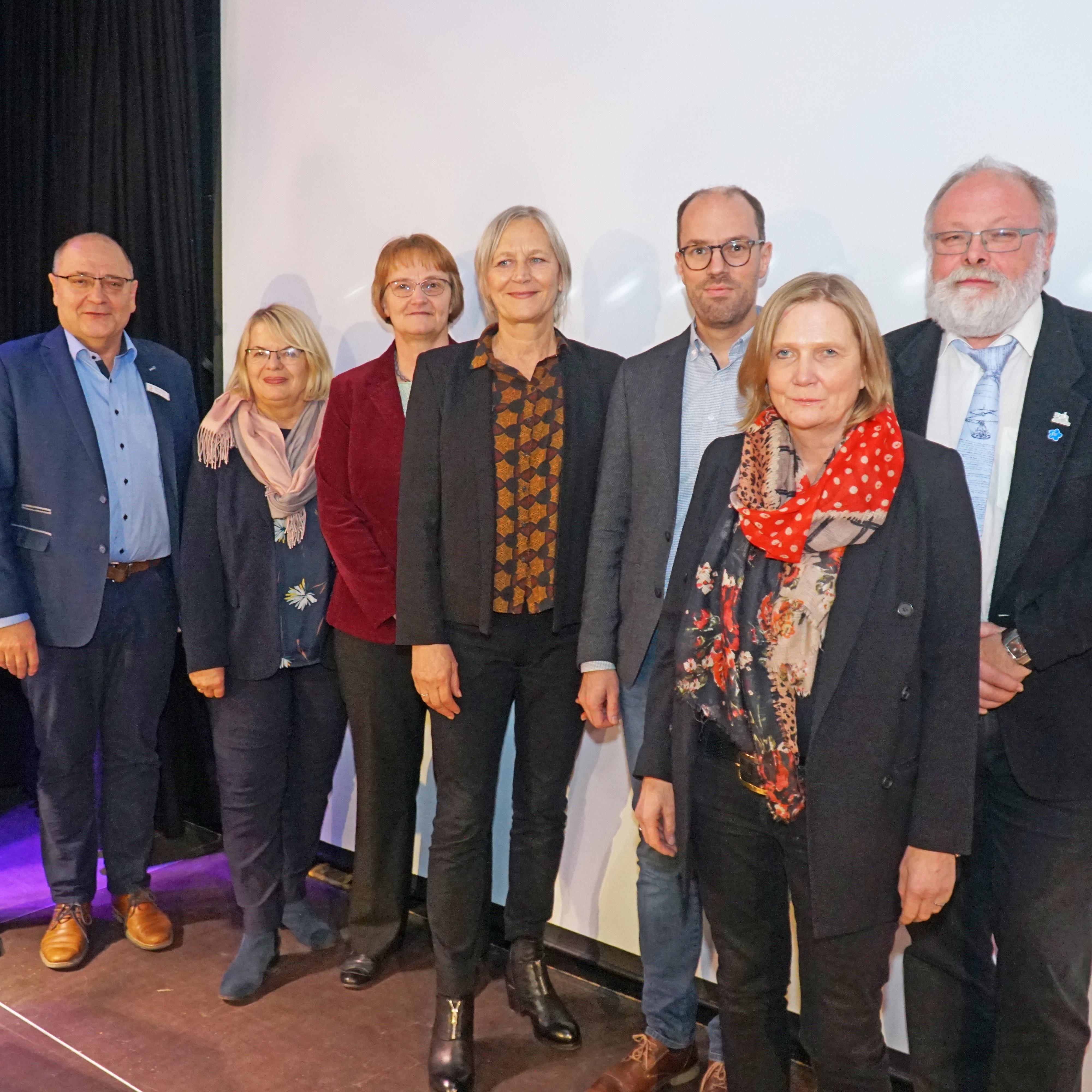 VERÖFFENTLICHT Zweiter Kinder- und Jugendbericht der Stadt Kinder und Familienarmut in Paderborn