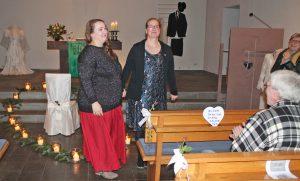 Gestalteten ein stimmungsvolles Konzert am Valentinstag: Sylke Lüpkes und Alexandra Scheffler. FOTO: UTE MATZKE-DISSE
