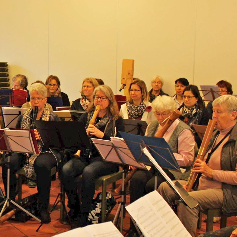 52 Teilnehmende musizieren gemeinsam Erster Blockflötentag im Kirchenkreis