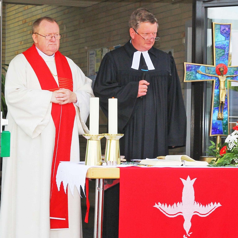Getauft mit Wasser und Geist Ökumenischer Pfingstmontag in Paderborn