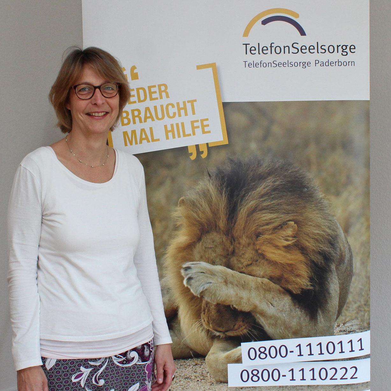 Beeindruckendes ehrenamtliches Engagement und selbstverständliche Ökumene Ein Jahr bei der Telefonseelsorge: Pfarrerin Dorothea Wahle-Beer
