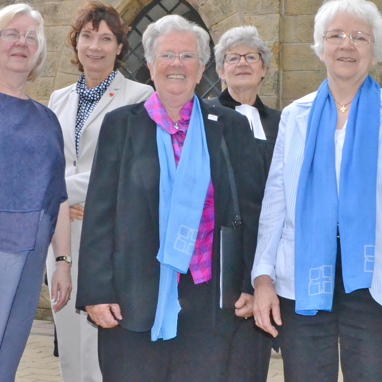 Mit viel Herz, Verstand und Einsatz BEZIRKSVERBANDSTAG Evangelische Frauenhilfe im Kirchenkreis feiert 100. Geburtstag