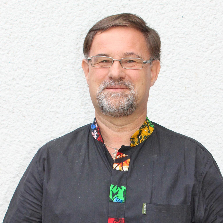 Engagierter Gemeinde-, Krankenhaus-, Schul- und Auslandspfarrer ABSCHIED Pfarrer Herbert Falke geht in den Ruhestand