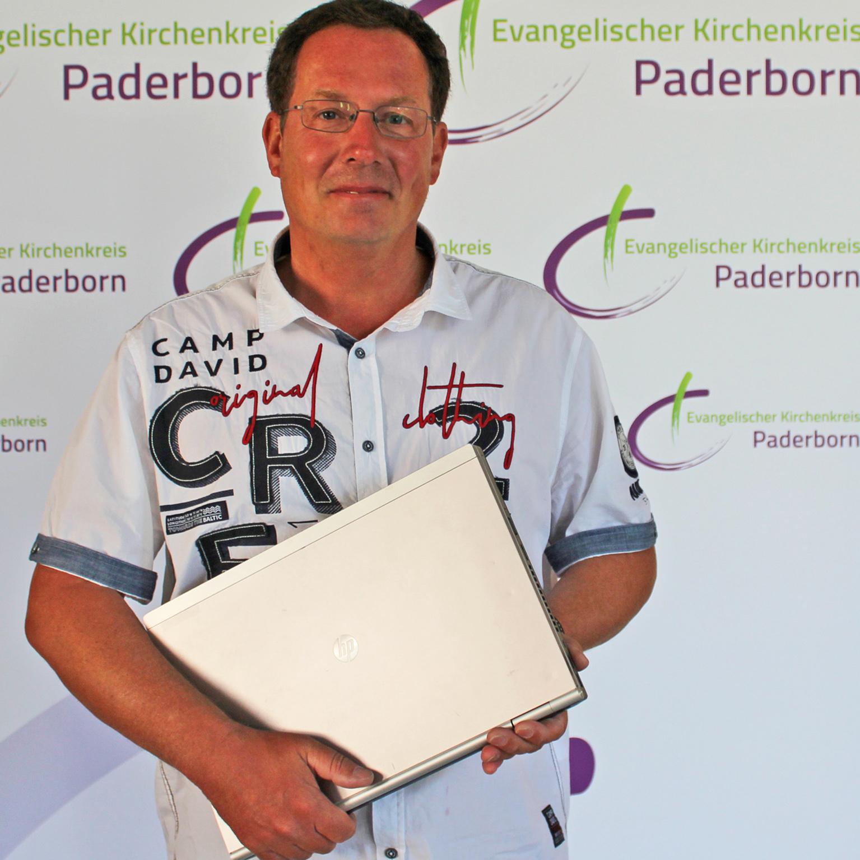 Begegnung gibt es auch im World Wide Web Gemeindepfarrer Kai-Uwe Schroeter veröffentlicht Predigten im Internet