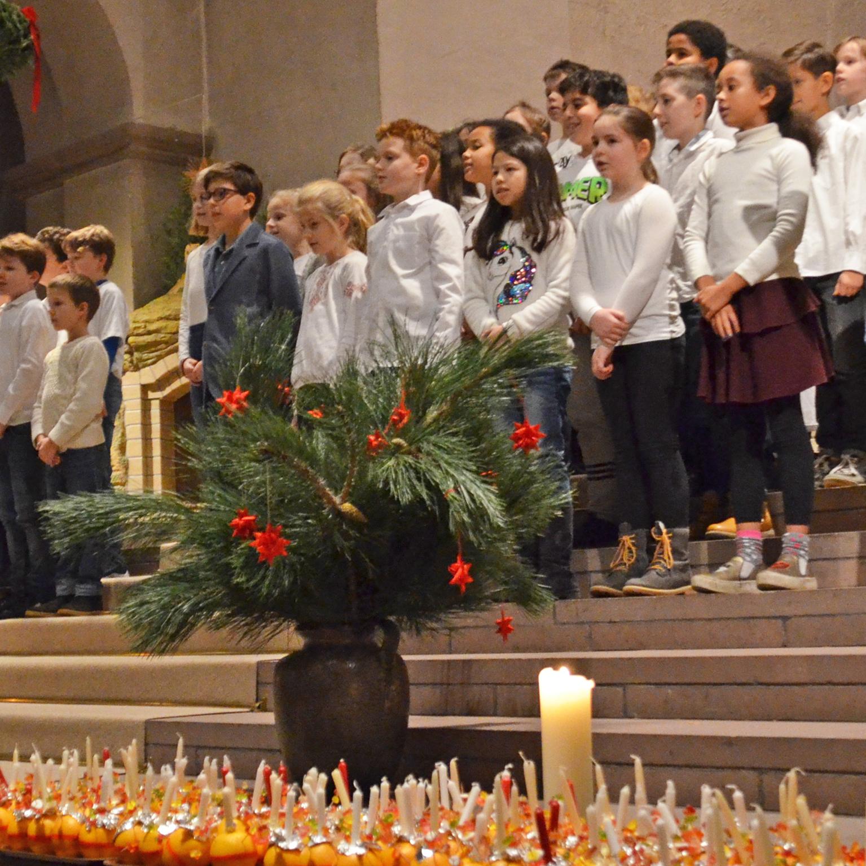 GESCHENK Christus als Licht der Welt Christingle-Gottesdienst in der Abdinghofkirche