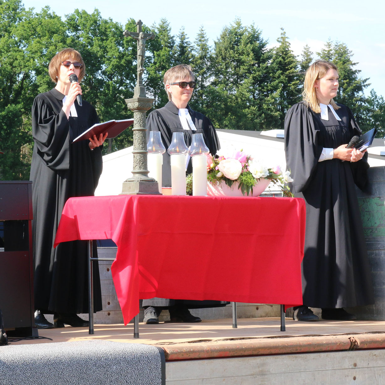 Region Paderborn-Land feiert erstmals Autogottesdienst Getrennt und doch gemeinsam Hoffnung schöpfen