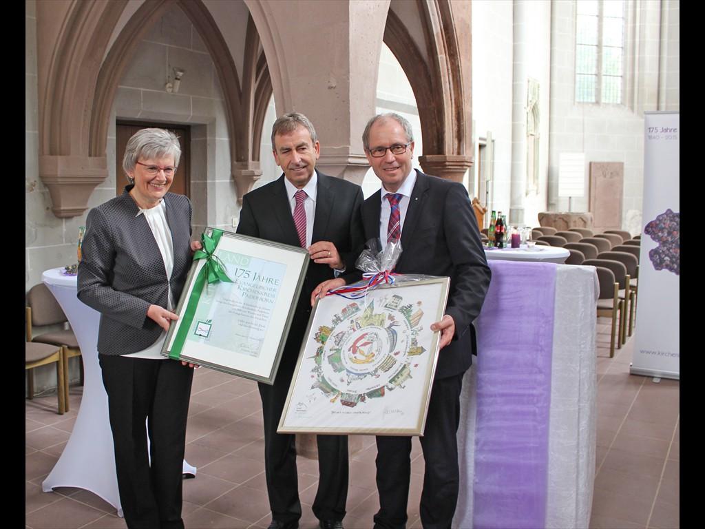 Festgottesdienst Höxter Superintendentin nimmt Geschenke der Landräte entgegen
