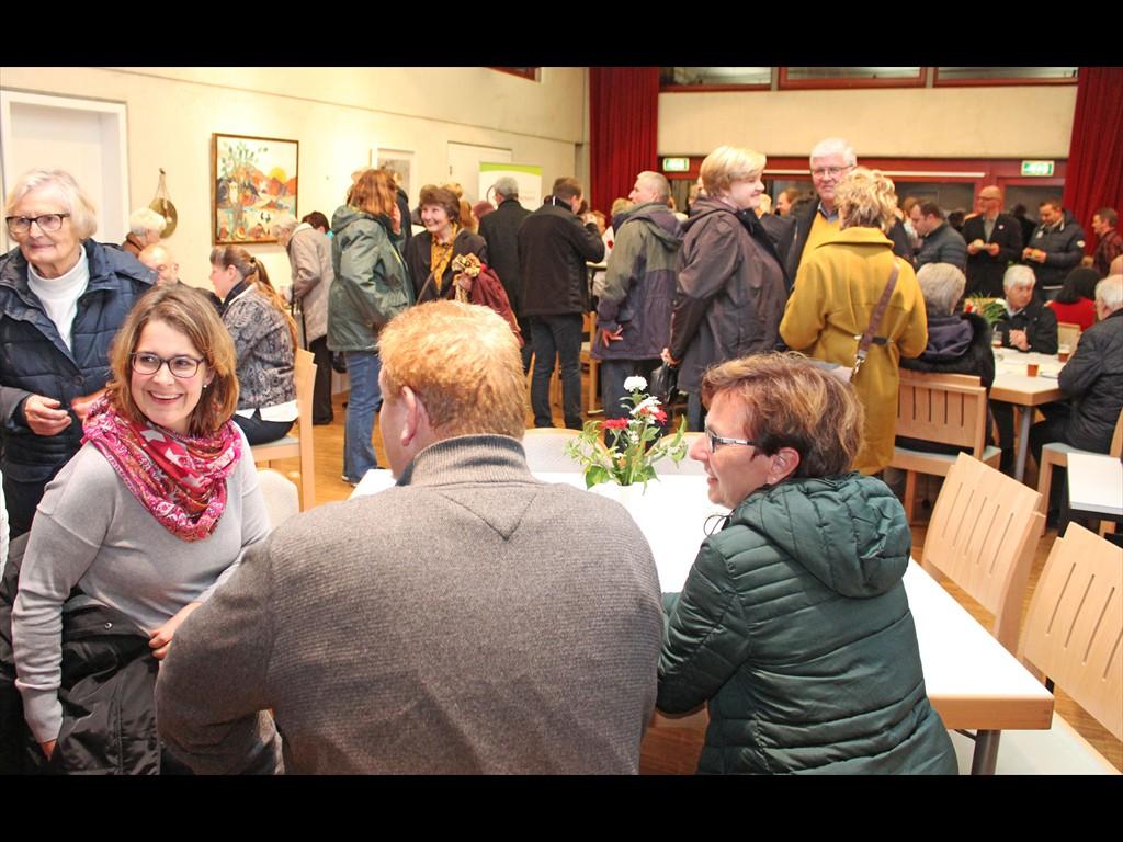 Volles Haus zur Reformations-Geburtstagsfeier in Hövelhof