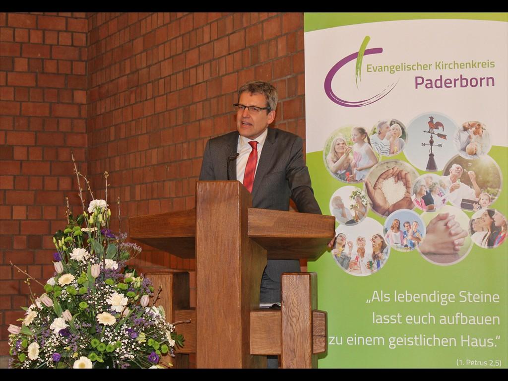 Ansprache von Superintendent Volker Neuhoff. Foto: EKP/Heide Welslau